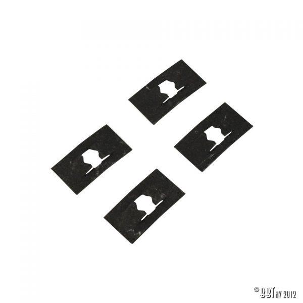 Emblem/Skyltar Clips för manus: Karmann Ghia på bakluckan, 4  stycken [tag]